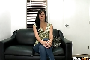 Amateur Gloom girl tries out porno 2.1
