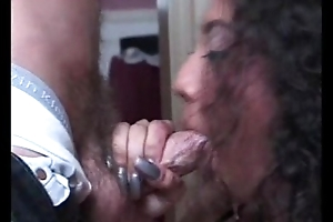 Damn Mature wife know how to suck