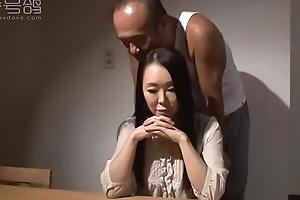 番号鸽J00088嫁的是老公却被公公奸淫