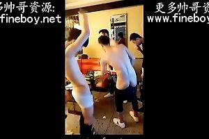 中国国产ktv一群18岁直男帅哥少爷全裸跳舞激情秀