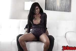 Surprising Asian babe Ember Snow railed off out of one's mind huge cock