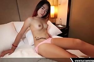 Oriental Thai Bimbo Sucks Dick
