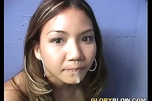 Keeani Lei Gives Oral stimulation To A Hyacinthine Bushwa