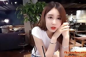 Hot Girl Streamer nổi tiếng h&agrave_n quốc cực xinh đẹp.MP4