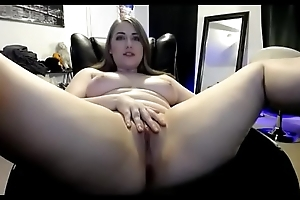 Beautiful thick live measure shaved love tunnel