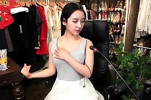 gái xinh Hàn Qu&ocirc_́c cute khoe hàng