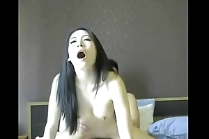 Chinese amateurish is a cowgirl