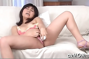 Horny mama with chubby clitoris coupled with vibrator