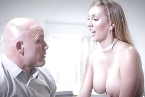 Bald-headed vendor fucks his lovely uncle
