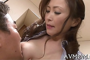 Sizzling get one's bearings mother i'_d like to fuck enjoys cock